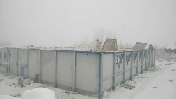 Ermenek'te spor salonunun çatısı çöktü