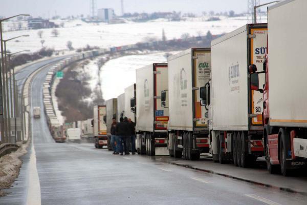Bulgaristan sınırındaki TIR kuyruğu azalmadı