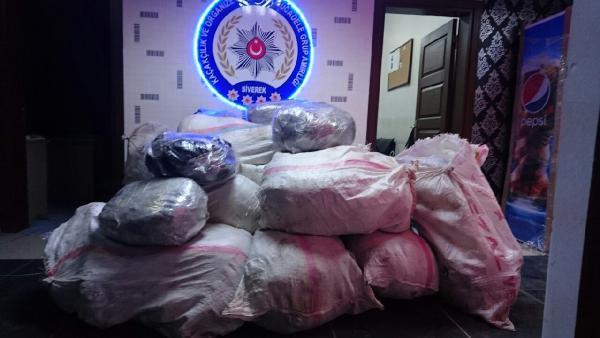 Siverek'te TIR'da 258 kilo esrar ele geçti