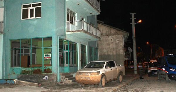 Karamanlı'da silahlı kavga: 1 ölü, 3 yaralı