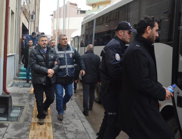 Bilecik'te FETÖ şüphelisi 22 eski emniyet mensubu tutuklandı