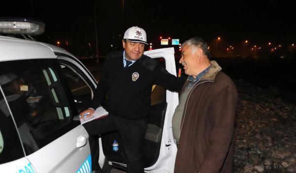 Devrilen TIR'ın şoförüne polis tesellisi
