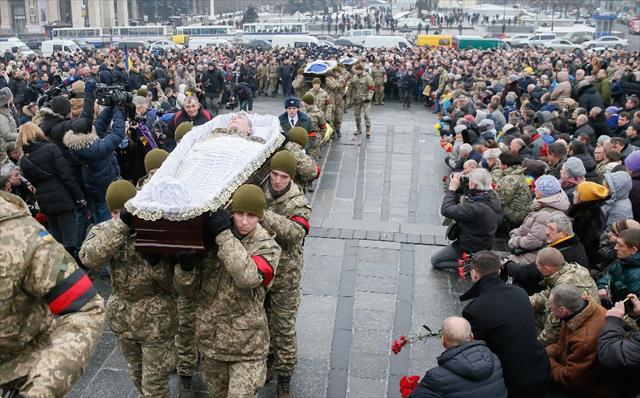 Ukrayna'da ölen 7 asker toprağa verildi