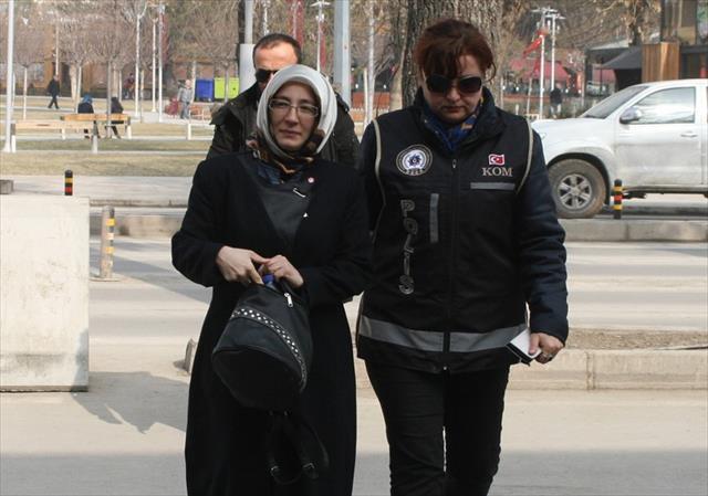 Bolu'da FETÖ'nün derneklerden sorumlu 'abla'sı tutuklandı