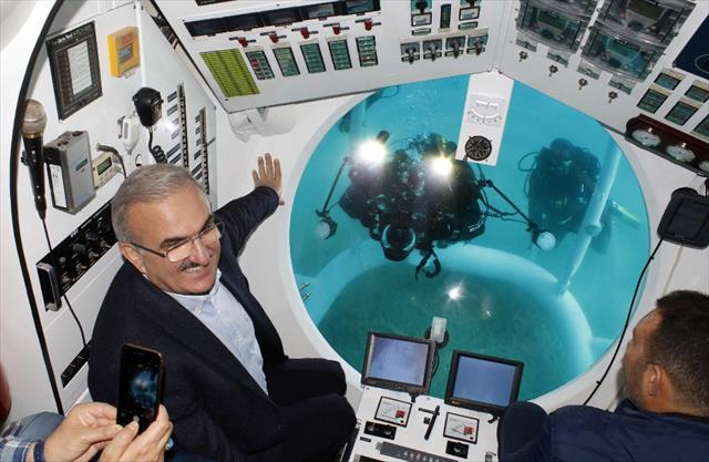 Türkiye'nin ilk turistik denizaltısı deneme dalışını yaptı