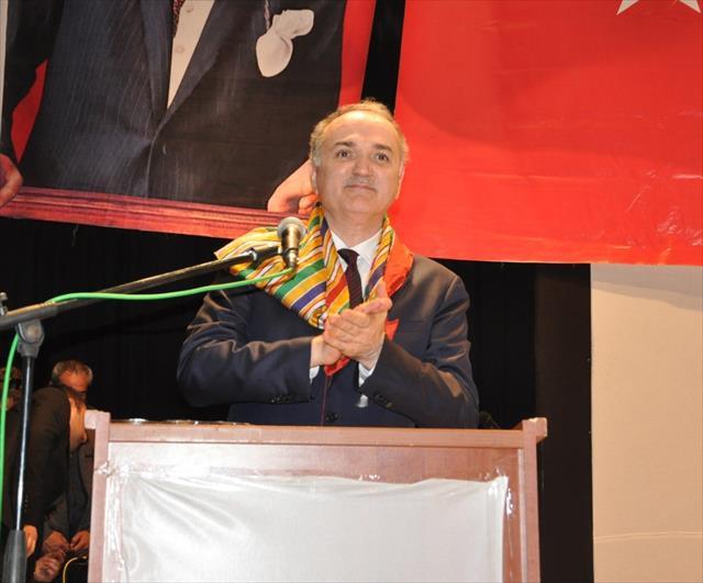 Bakan Özlü: Türkiye'deki muhalefet proje üretmez