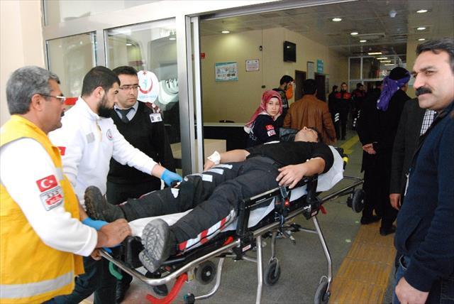 Motorize polis ekibi kaza yaptı: 3 yaralı