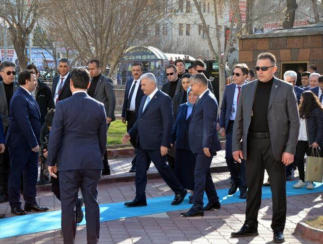 Başbakan Yıldırım, Iğdır Valiliğini ziyaret etti