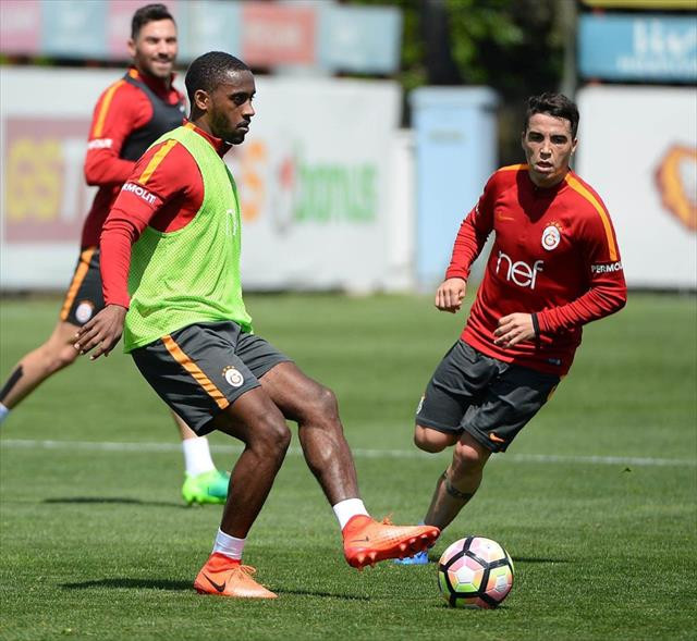 Galatasaray Fenerbahçe maçı öncesi Tudor'dan Sneijder ile ilgili son dakika haberi