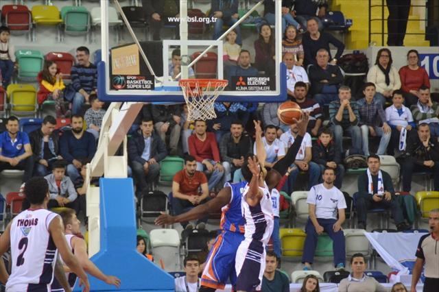 Nefes kesen maçı İstanbul ekibi kazandı