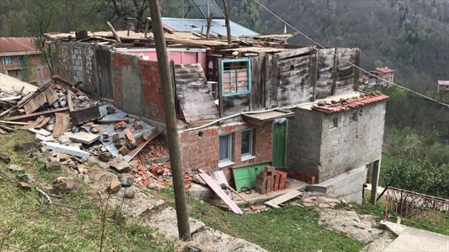 Trabzon'da fırtına: 1 ölü