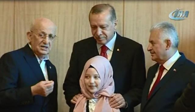 Cumhurbaşkanı Erdoğan ve Başbakan Yıldırım'dan çocuklara sürpriz