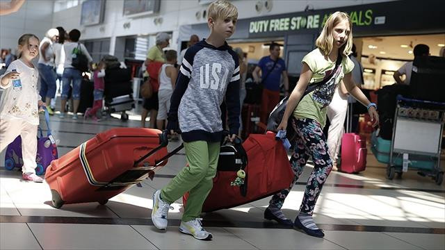 Çavuşoğlu: Rusların vizesiz kalma süresini 90 güne çıkarıyoruz