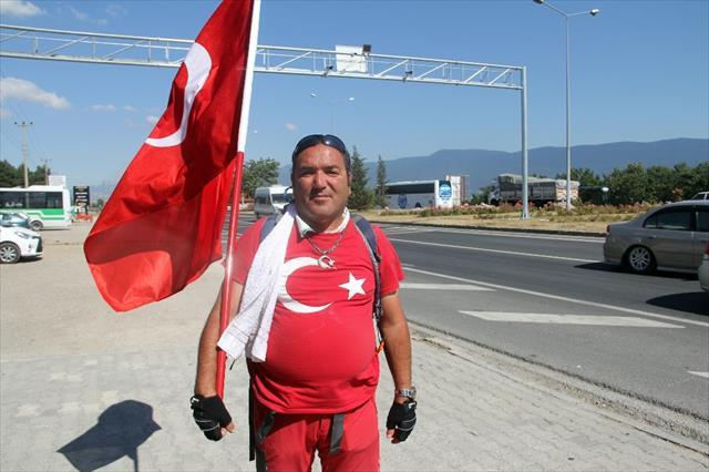 15 Temmuz şehitleri için Ankara'ya yürüyor