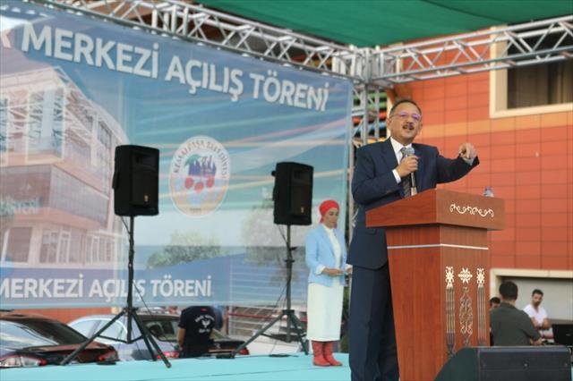 Özhaseki'den İzmir'e 'acemilerin elindeki kumaş' benzetmesi