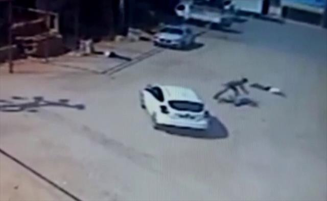 Trafik polisinin yaptığı katliam kamerada