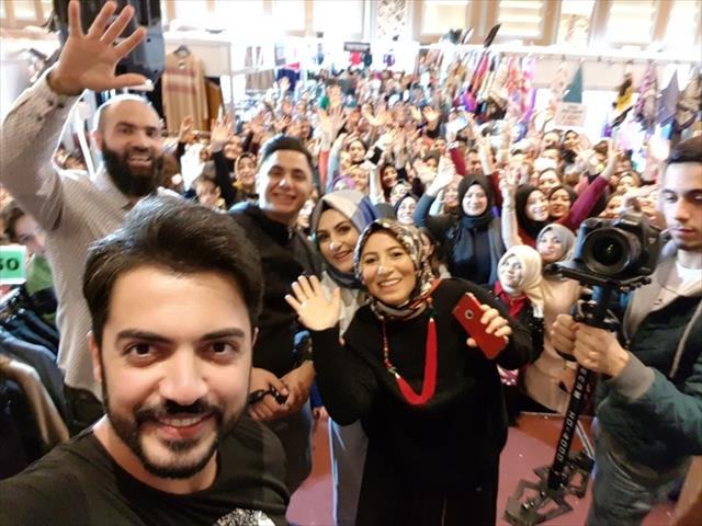 Yusuf Güney'den hayranlı selfie
