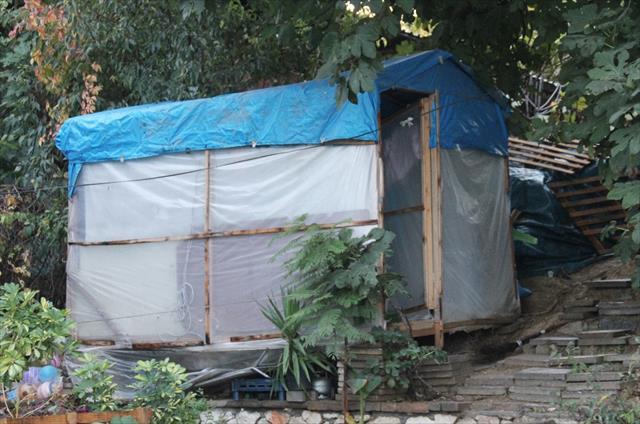 Ölüm naylon çadırda yakaladı