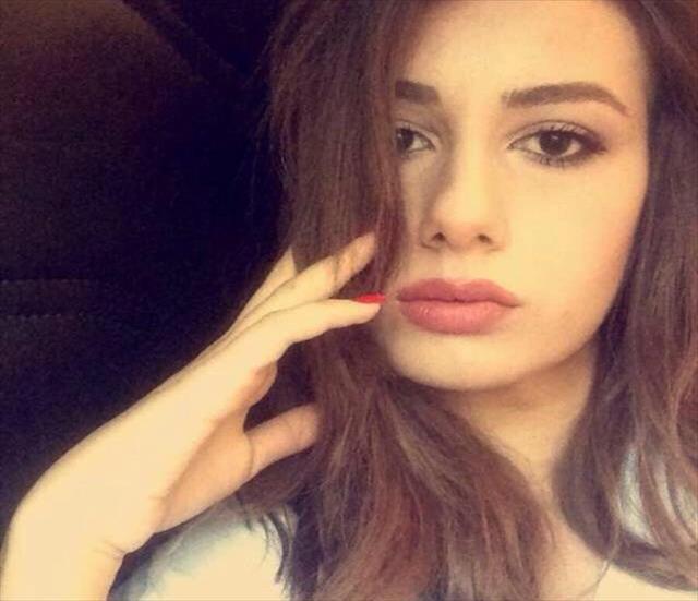 Genç kızın sır intiharı