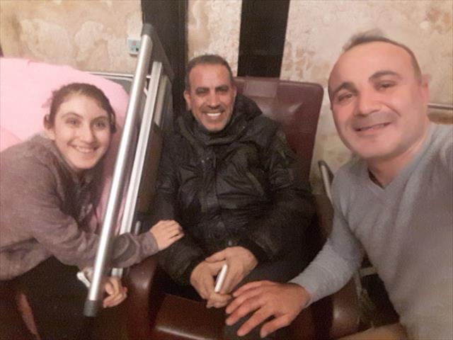 Haluk Levent'ten omurilik hastası Bilge'ye moral ziyareti