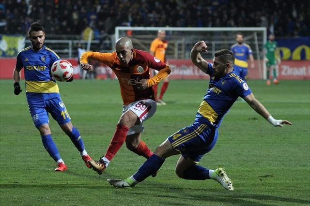 Galatasaray ilk yarıyı önde kapattı