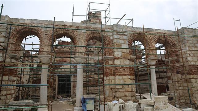 Tarihi caminin restorasyonu devam ediyor