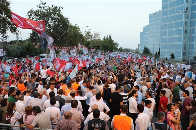 Kılıçdaroğlu Adana'da vatandaşlarla iftar yaptı…