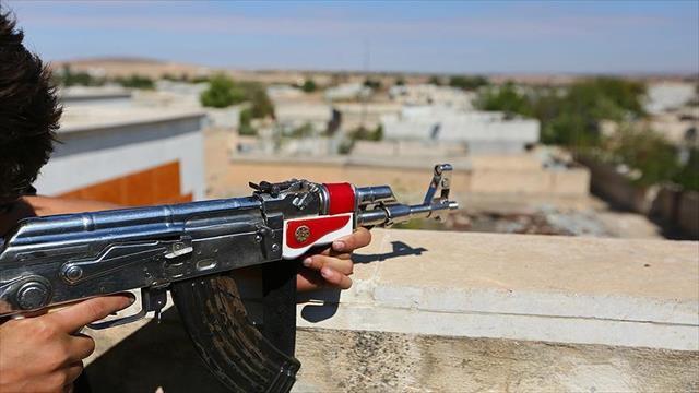 Terör örgütü PKK yine 'canlı kalkan' taktiğine sarıldı