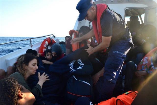 İzmir'de iki günde 90 kaçak göçmen yakalandı