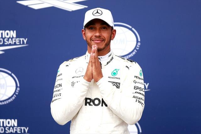 Mercedes Lewis Hamilton ile nikah tazeledi
