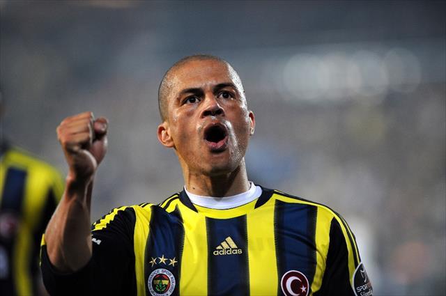 Alex'ten 'Dünya Fenerbahçeliler Günü' kutlaması