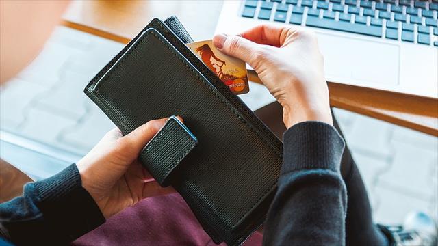 Kartlı ödemeler yılın ilk yarısında yüzde 20 büyüdü