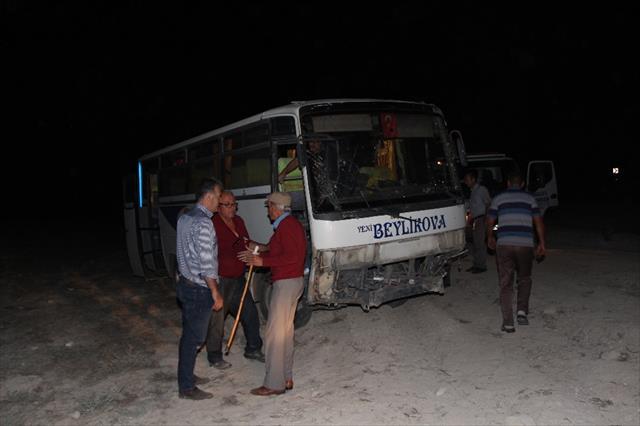 Midibüs şoförü direksiyon hakimiyetini kaybetti: 1 ölü, 14 yaralı