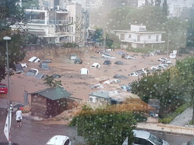 Yunanistan şimdi de sellerle boğuşuyor…