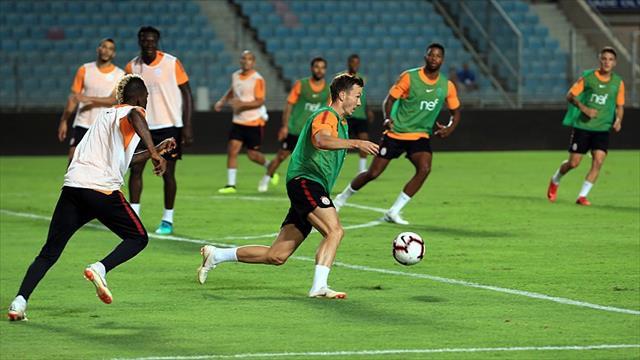 Galatasaray, AEK maçı hazırlıklarını tamamladı