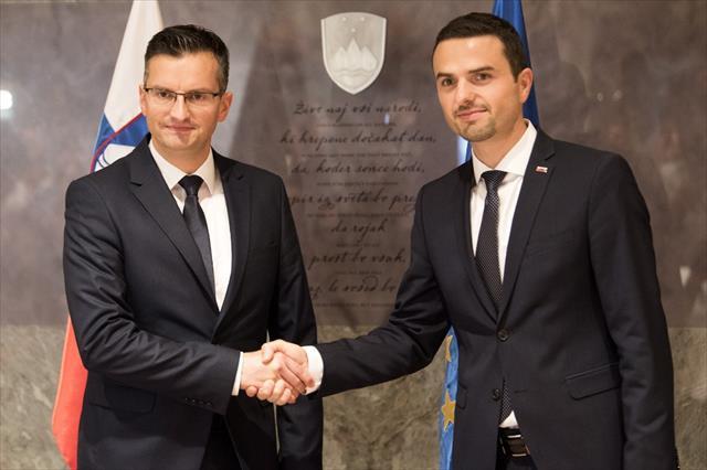 Eski komedyen Sarec Slovenya başbakanı seçildi