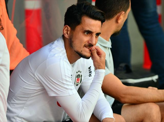 Vagner Love ve Mustafa Pektemek'e tepki…