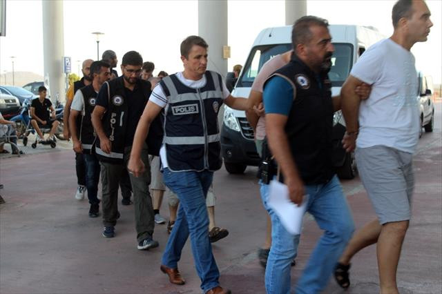 15 FETÖ şüphelisi Midilli Adası'na kaçamadan yakalandı