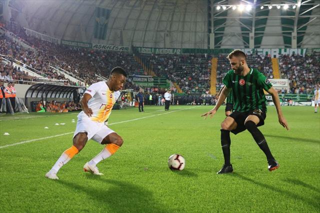 Geçen sezon da Gomis penaltı kaçırmıştı