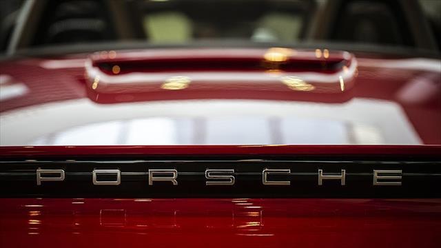 Lüks otomobil markasından dizel kararı