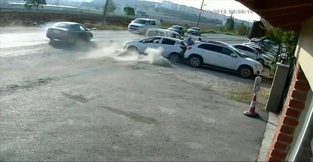 Okul önünde zincirleme kaza: 5 yaralı