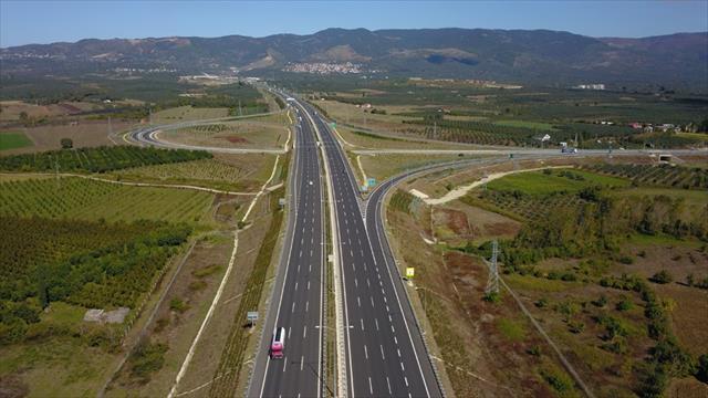 Bölünmüş yollarla 17,6 milyar lira tasarruf
