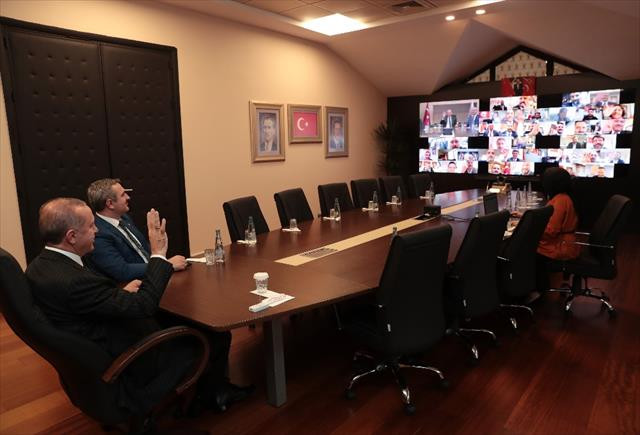 Erdoğan, AK Parti'li başkanlar ile telekonferansla görüştü…