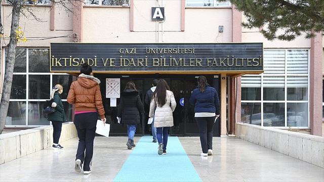 Lisansüstü eğitim görecek adaylar ALES'te ter döktü