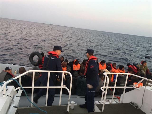 Ege'de göçmen kurtarma operasyonu