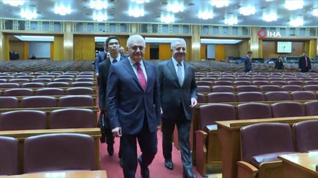 Çin Parlamentosunu gezdi