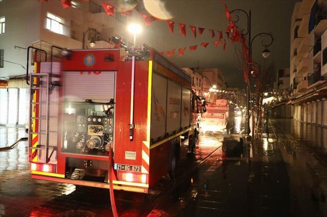 Diyarbakır'da 2 çocuk alevlerin ortasında kaldı