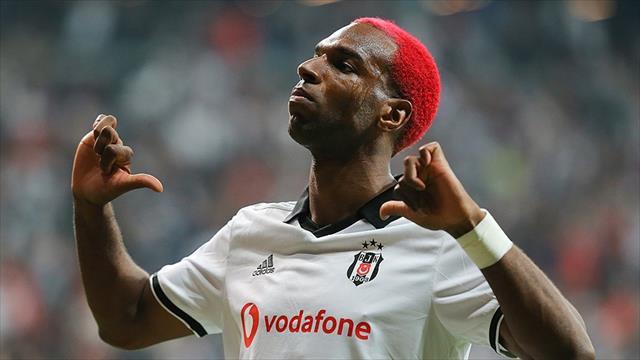 Babel, Fulham'a transfer oldu