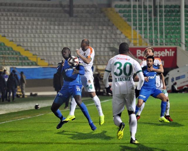 Alanyaspor ile Kasımpaşa 0-0 berabere kaldı