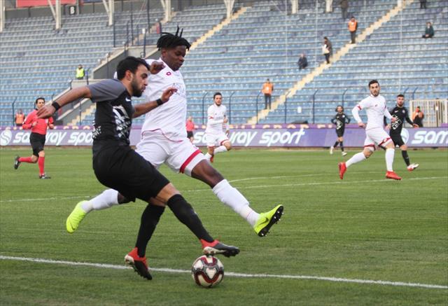 Osmanlıspor 3 golle kazandı